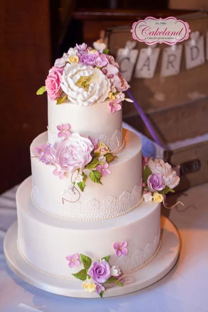 Cakeland Wedding Cakes